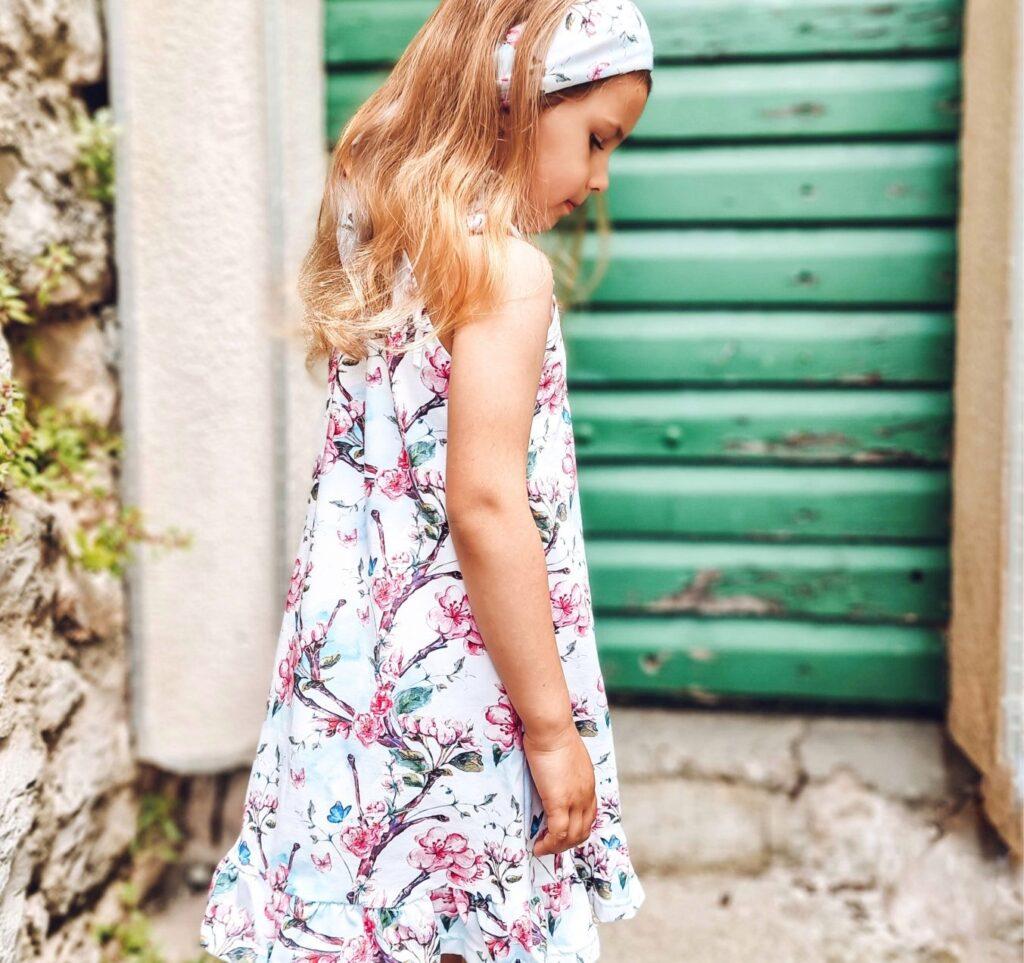 sukienka letnia kwiat jabłoni